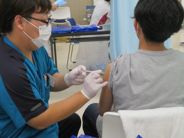 ワクチン職域接種 接種中